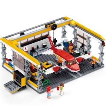 Sluban Bull Racing Truck 641 Pieces Building Blocks