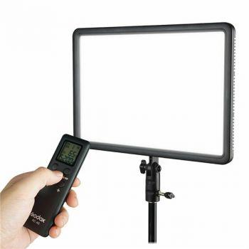 GODOX LEDP260C ultra-thin 30W 3300-5600k LED video light panel lamp
